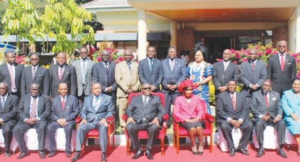 Malawi Pres. Peter Mutharika with members of cabinet