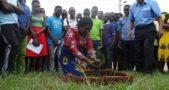 Banda planting a treepic by Synd Kalimbuka