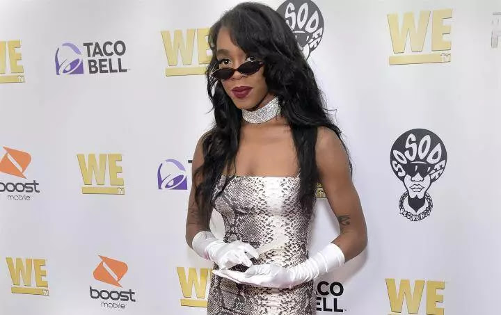 R  Kelly's daughter says she doesn't have a relationship